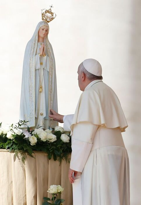 papez-Frantisek-a-Fatimska-p.-Maria
